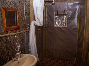 Enlarge kalahari bush camp bathroom