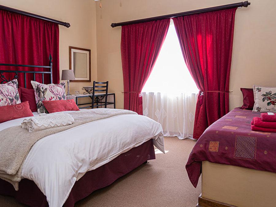 Enlarge kalahari guest house bedroom